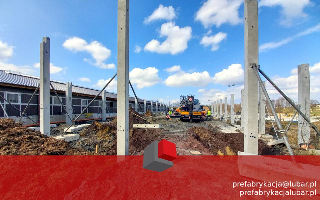 Jejkowice - montaż słupów betonowych